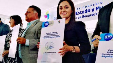 Photo of Firma alcaldesa de Cuerámaro, Ana Rosa Bueno, convenio para impulsar los niveles de desarrollo