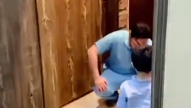 Photo of Enfermero rompe en llanto al rechazar el abrazo de su pequeño hijo